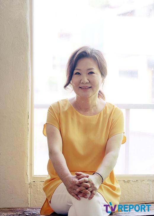 """'허스토리' 김해숙 """"재판장면 끝나고 탈진…죽기살기로 연기""""_이미지"""