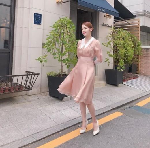 """""""거리의 여신"""" 소이현, 인형 같은 미모"""