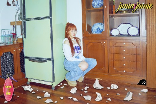 """""""소녀가 변했다""""…박지민의 'April Fools (0401)'_이미지3"""