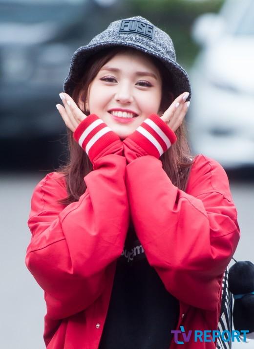'JYP發, YG行'…전소미 그리고 타이밍