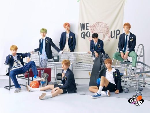 'SM의 막강 틴에이저'…NCT DREAM, 음반차트 장악