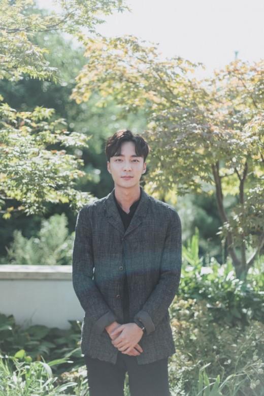 가을 이별한 로이킴…감성도 차트도 잡았다