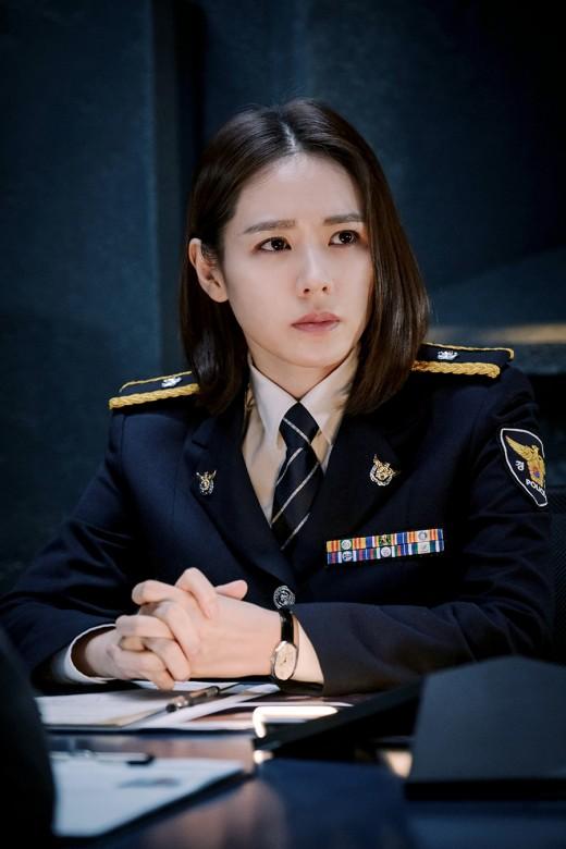'협상' 손예진, 韓영화 최초 협상가 도전…파격 단발