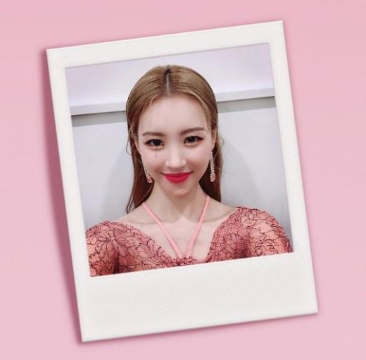 4관왕의 미소…선미 '이렇게 예쁘면 반칙'
