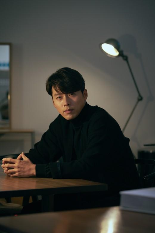 """'창궐' 현빈 """"장동건 잘생김 커밍아웃 재미 붙인 듯…난 안 할 것"""" 너스레"""