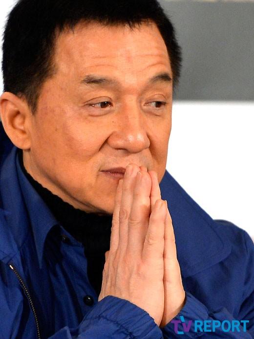 성룡 사생딸, 12살 연상 동성 연인과 결혼_이미지2