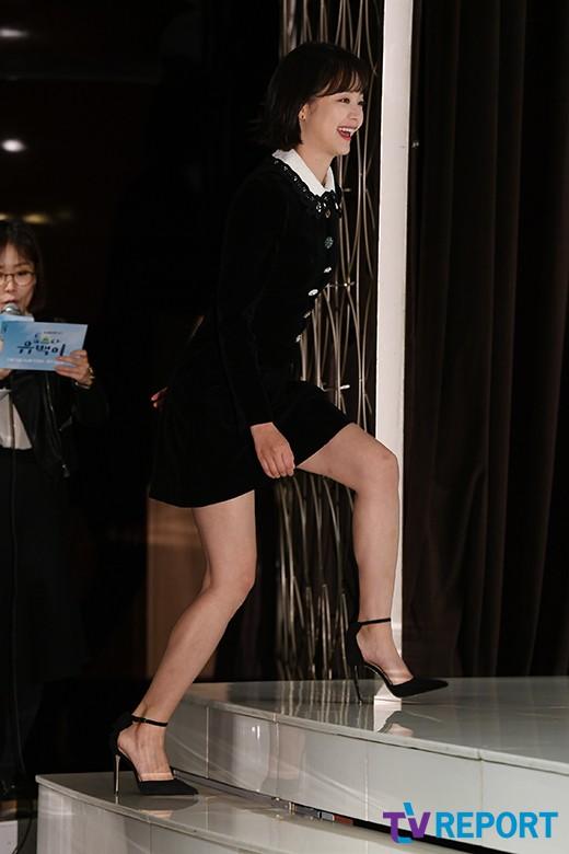 전소민 '미니스커트 입어도 털털한 발걸음'