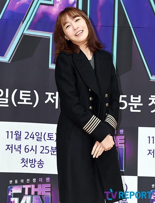 김이나 '순수 미소'