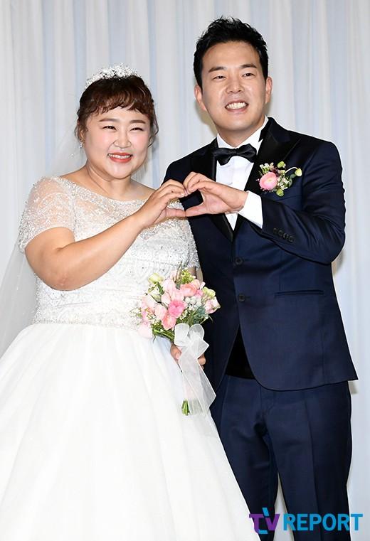 """홍윤화♥김민기, 3135일 열애→결혼 """"죽을 때까지 행복하게 살게요"""""""