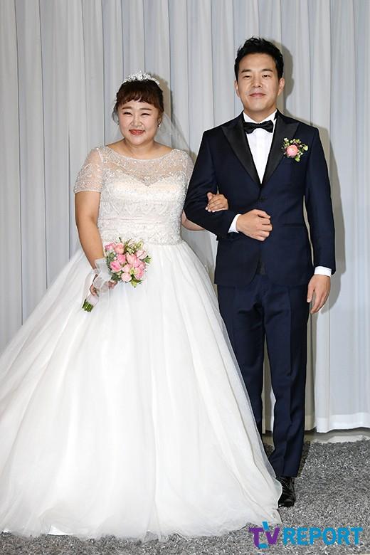 홍윤화-김민기 '오랜 열애 끝 결혼 골인'