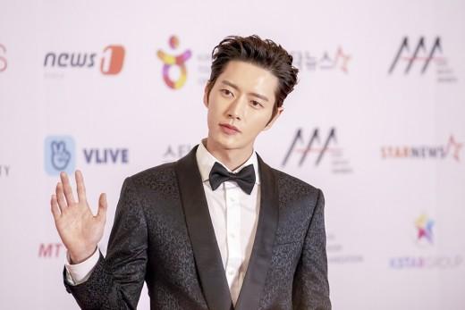 """박해진, 2018 AAA 아시아 에코 크리에이터상 수상 """"팬들께 감사""""_이미지"""