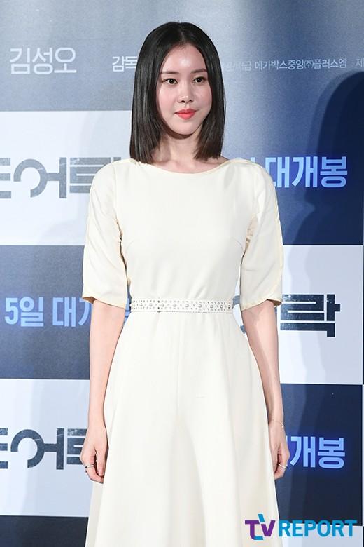 """'라디오쇼' 김예원 """"배우 수입? 1주일에 한번 꽃등심 회식 가능"""""""