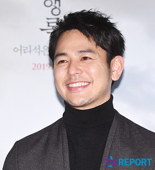 '우행록' 츠마부키 사토시, 영화제 휩쓴 압도적 반전..韓서 통할까