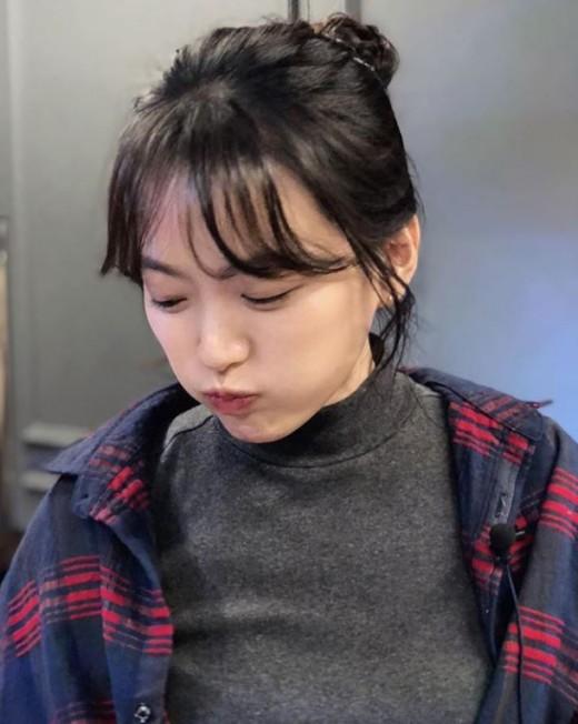 """""""백옥 피부""""…천우희, 맑고 깨끗한 매력_이미지"""