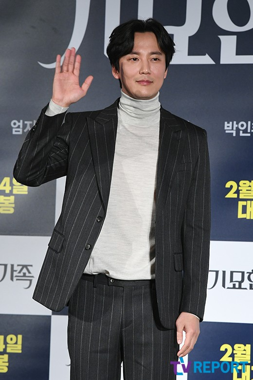 '기묘한 가족→열혈사제' 김남길, 능청스럽거나 인간적이거나_이미지