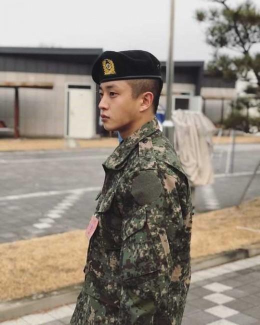 """""""진짜 태양의 후예""""…'軍입대' 김민석, 이등병 근황 공개"""