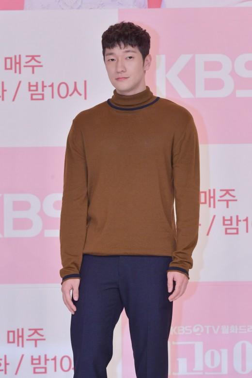 손석구, tvN '지정생존자' 출연 확정…고속 컴백