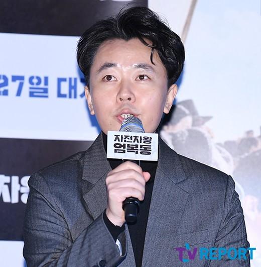 """'자전차왕 엄복동' 감독 """"도둑논란? 시나리오 쓸땐 몰랐다"""""""