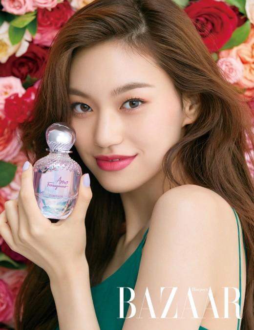 위키미키 김도연, 꽃을 닮은 싱그러움_이미지