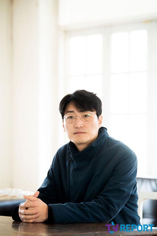 """'우상' 감독 """"목잘린 이순신 동상..후손 허락 받았다"""""""