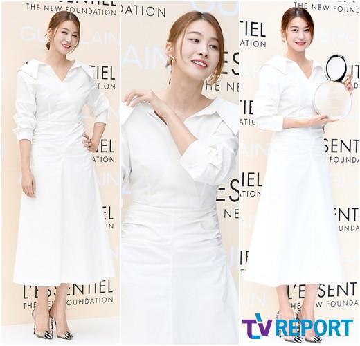 유인영 '순백의 여신, 길거리에서도 자체발광'