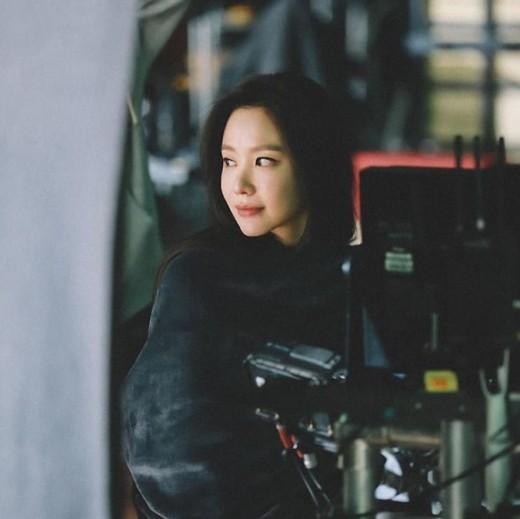 김아중, 담요를 두르고 있어도 '아름답다'