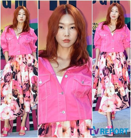 한혜진 '봄을 부르는 핑크빛 여신'_이미지
