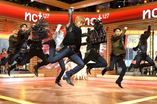 """""""NCT 127 왔다""""…美 뉴욕 들썩거린 SM파워"""