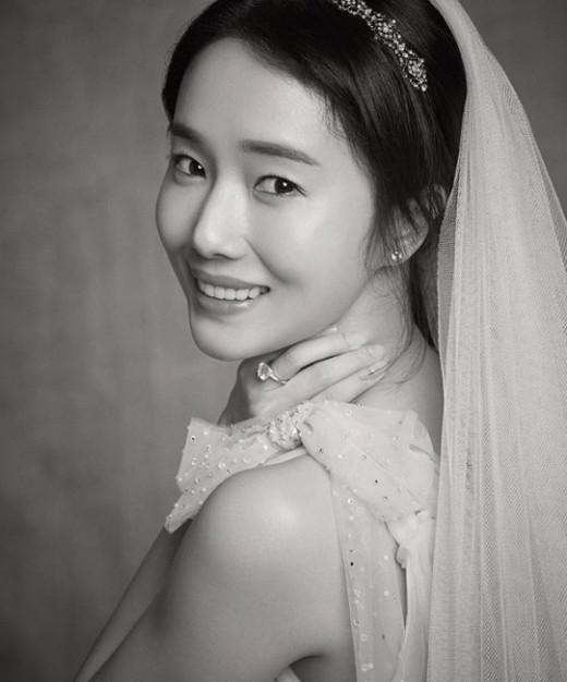 """""""평생 잊지 못할 웨딩"""" 이정현, 다시 봐도 예쁜 드레스 자태"""