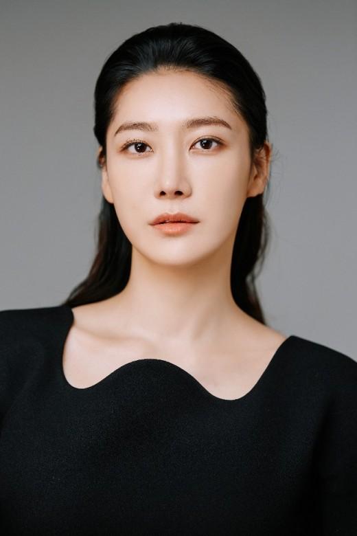 연미주, '왼손잡이 아내' 합류…오라그룹 2대주주 변신