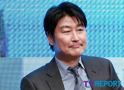 """송강호 """"'기생충' 봉준호, 韓영화의 진화..감탄스럽다"""""""