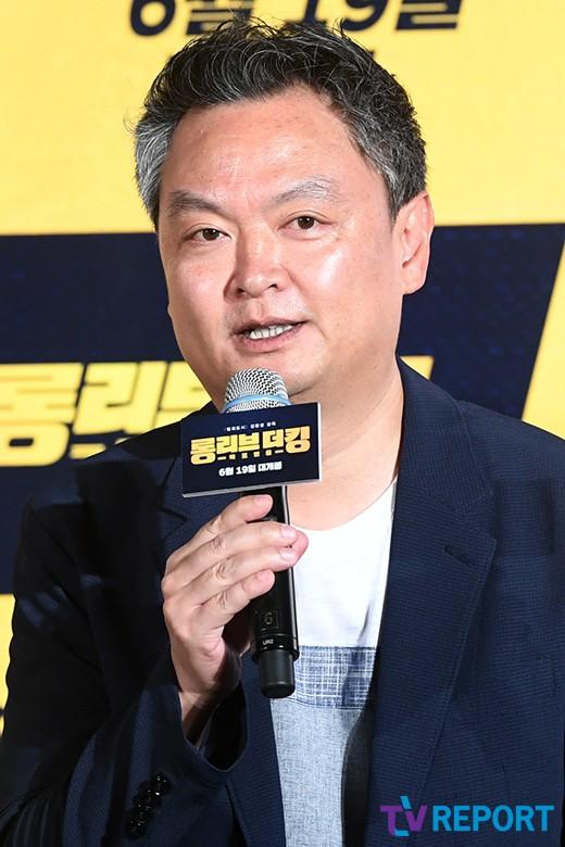 """'롱리브더킹' 강윤성 감독 """"'범죄도시'와 다른 이야기, 철저한 오락 영화""""_이미지"""