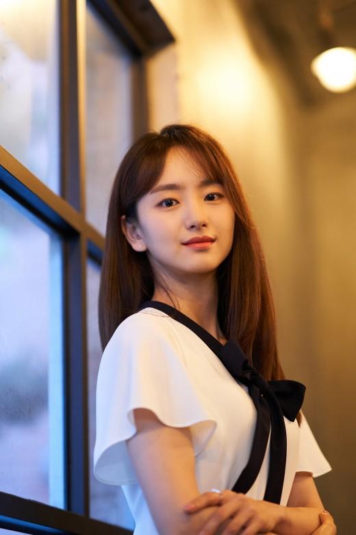 """'롱리브더킹' 원진아 """"김래원과 멜로 장면 많지 않아 걱정됐다"""" _이미지"""