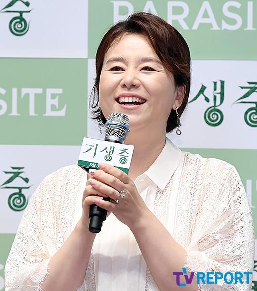 장혜진 '푸근한 엄마 미소'