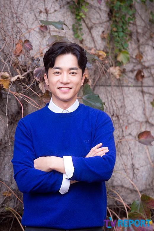[단독] 김영민, 손예진·현빈 만난다… '사랑의 불시착' 합류