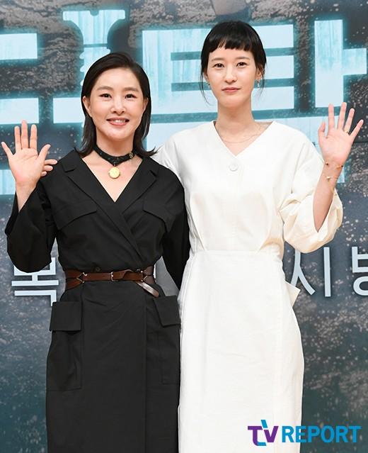 박지영-이영진 '흑백의 조화'