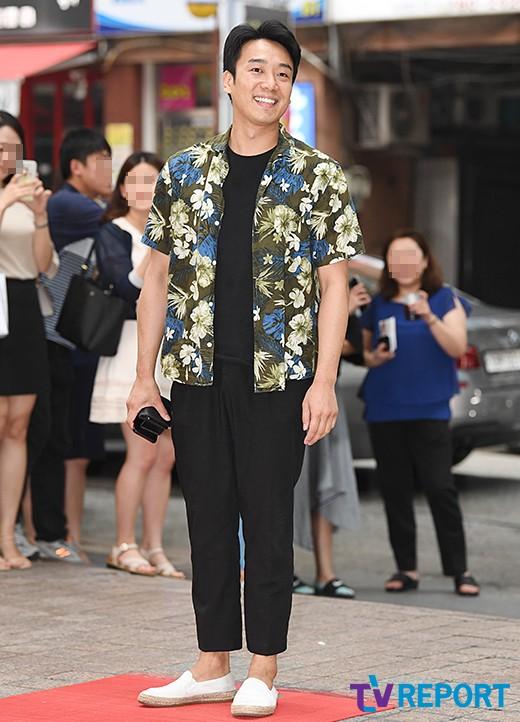 김남희 '시원한 하와이안 셔츠'