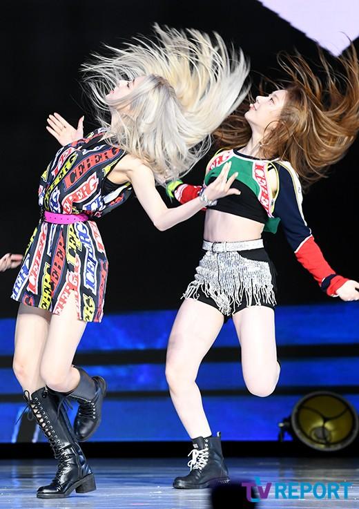 유나-채령 '아무나 소화 못하는 댄스'