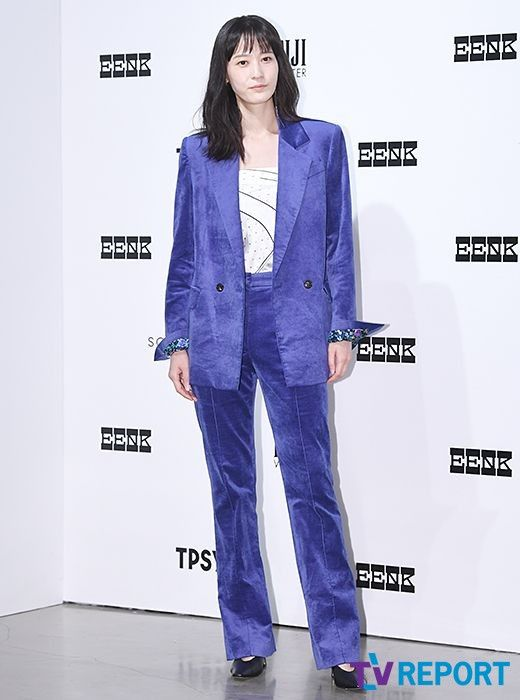 이영진 '신비로운 보랏빛 수트'