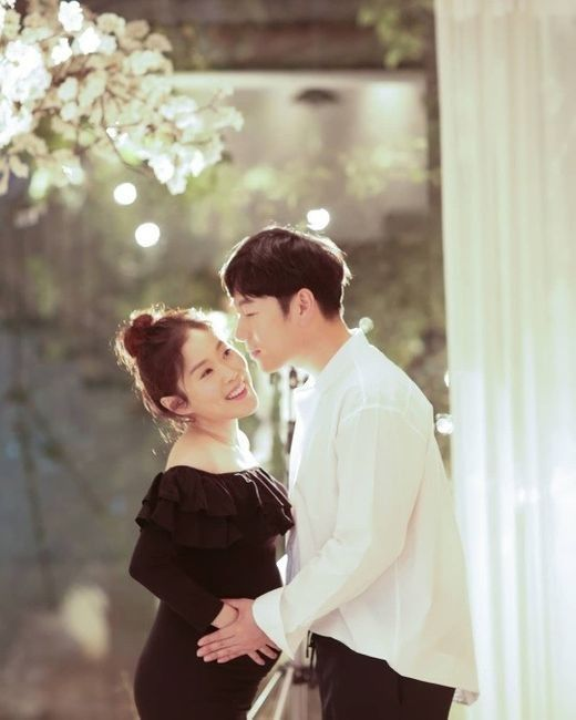 """박슬기, 남편과 함께한 만삭 사진 공개 """"어쩌면 가족사진일지도""""_이미지"""