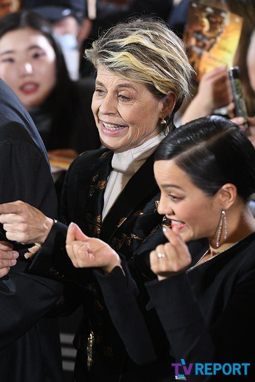 린다 해밀턴-나탈리아 레이즈 '하고 싶은 포즈가 너무 많아'