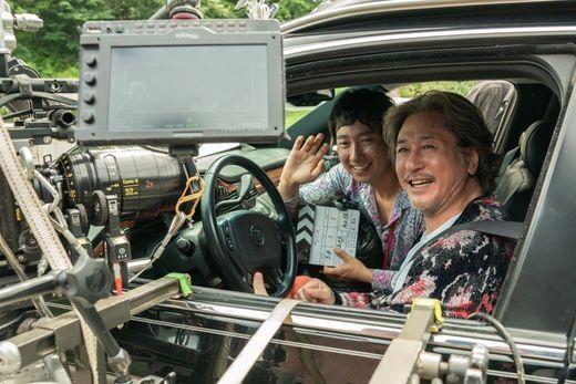 최민식x박해일 첫만남 성사…'행복의 나라로' 크랭크업