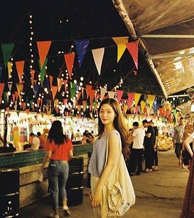 """정채연은 방콕여행 중 """"엄마가 찍어준 사진"""" 애정이 가득_이미지"""