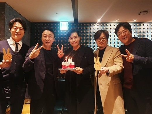 '남산의 부장들' 이병헌부터 이성민까지..200만 돌파 인증샷