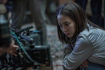 미스터리 스릴러 '침입자', 송지효·김무열의 낯선 얼굴