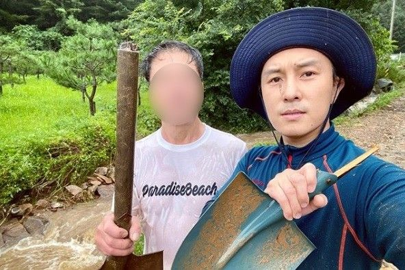 """신화 김동완, 폭우피해 호소 """"배수로 막혀 3시간 고생해"""""""