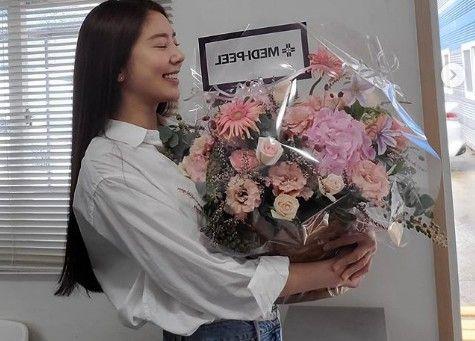 """손담비, 청바지+흰 셔츠 입고 청순미모 폭발 """"꽃보다 예뻐""""  _이미지"""