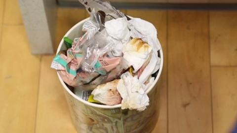쓰레기통 악취 잡는 법