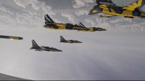 K-Pop 스타 대접받은 공군 블랙이글스