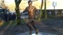 손기정 동상, 태극기 달고 베를린에 서다
